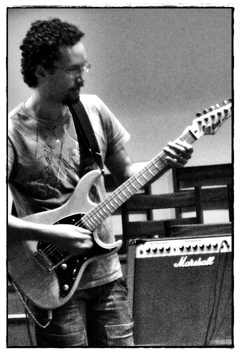 AUGUSTO PALADINO (guitars)